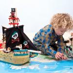 Le Toy Van Dřevěná Pirátská loď Jolly