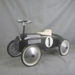 Vilac - Kovové odrážedlo - Historické závodní auto - černé
